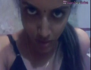 Rattenscharfes indisches Girl beim gratis Porno gefilmt
